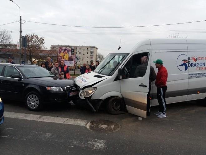 Soferul Dragon Star Curier care a provocat accidentul din Mihai Bravu era DROGAT?! VIDEO