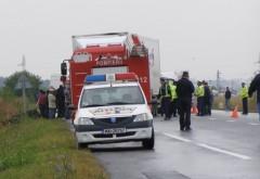 Autoturism lovit de o cisternă cu motorină, la Corlătești
