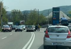 Accident la iesirea din Campina, spre Banesti. Doua masini s-au lovit frontal, o persoana INCARCERATA