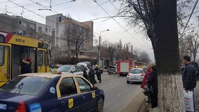 Accident pe Soseaua Vestului, in zona Balif. Doua victime