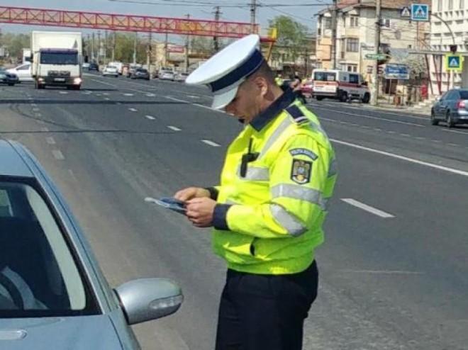 Acțiune de amploare a polițiștilor de la Rutieră, în Prahova. Peste 1.600 de sancțiuni aplicate și 25 de dosare penale, pentru șoferi