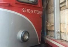 ALERTĂ IMPACT puternic - Un tren a lovit ÎN PLIN un TIR