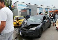 Masina furata din Ploiesti. Hotul a lovit 3 autoturisme in Bariera Bucuresti si a fugit de la locul accidentului