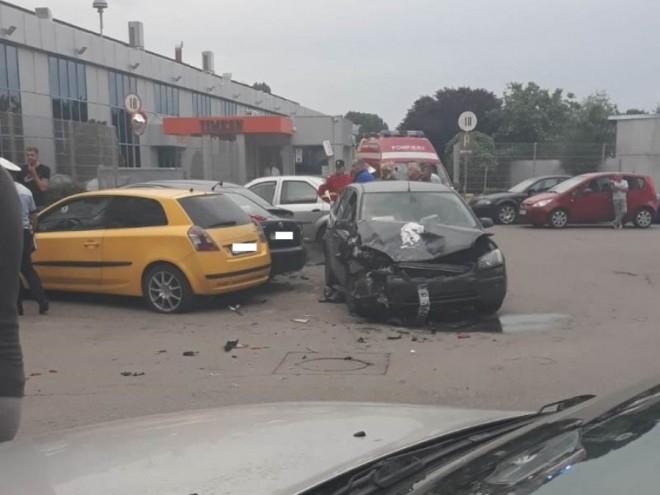 Un minor reținut și încă doi cercetați, după accidentul de luni seară, din Bariera București
