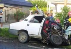 Accident grav provocat de un poliţist. A ucis doi oameni încercând să evite un câine