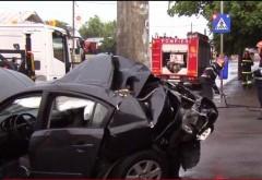 Accident in Ploiesti, pe strada Nicolae Balcescu. Un sofer a intrat cu masina in stalp