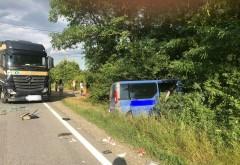 Accident grav langa Parcul Industrial Vest. Un microbuz cu pasageri a fost spulberat de un TIR
