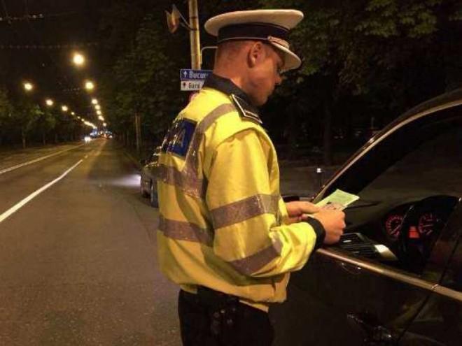 Dosar penal pentru un ploieștean cu două permise auto valabile, dar prins conducând... fără permis!