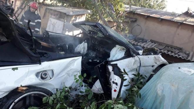 Un copil și o femeie, uciși în propria curte de un șofer teribilist, beat la volan. Accidentul, live pe Facebook