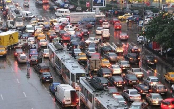 Măsuri RADICALE: vinietă pentru intrarea în București și INTERZIS pentru mașinile Euro 1 și Euro 2