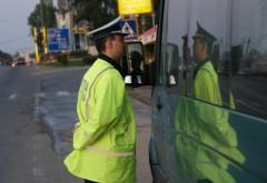 Sancţiuni pentru transportatorii ilegali de călători. Peste 4.400 de autovehicule au fost controlate de Poliţia Prahova