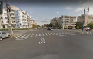 Accident in Ploiesti, pe Democratiei-Lupeni. O masina a fost lovita de tramvai