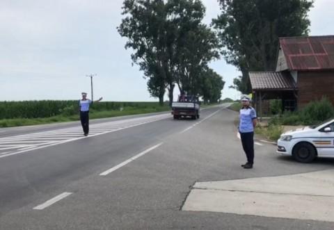 """Taximetrist """"pirat"""" depistat de polițiști in Valenii de Munte. Ce amenda a primit"""
