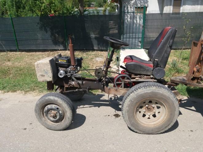 Un motocultor improvizat a facut doua victime, pe un drum din Prahova