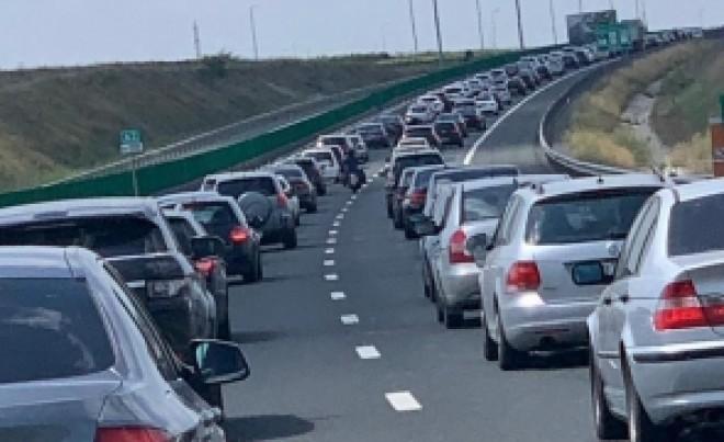 Trafic BLOCAT pe Autostrada Soarelui: au avut loc două accidente, cu 4 mașini implicate