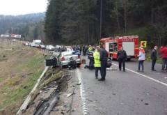 Accident pe DN1, la Azuga. Doua masini s-au lovit frontal, trei victime