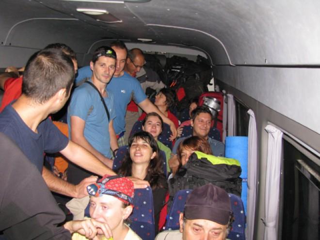 Amenda de 9000 de lei pentru un sofer de microbuz care efectueaza transport de persoane in Prahova