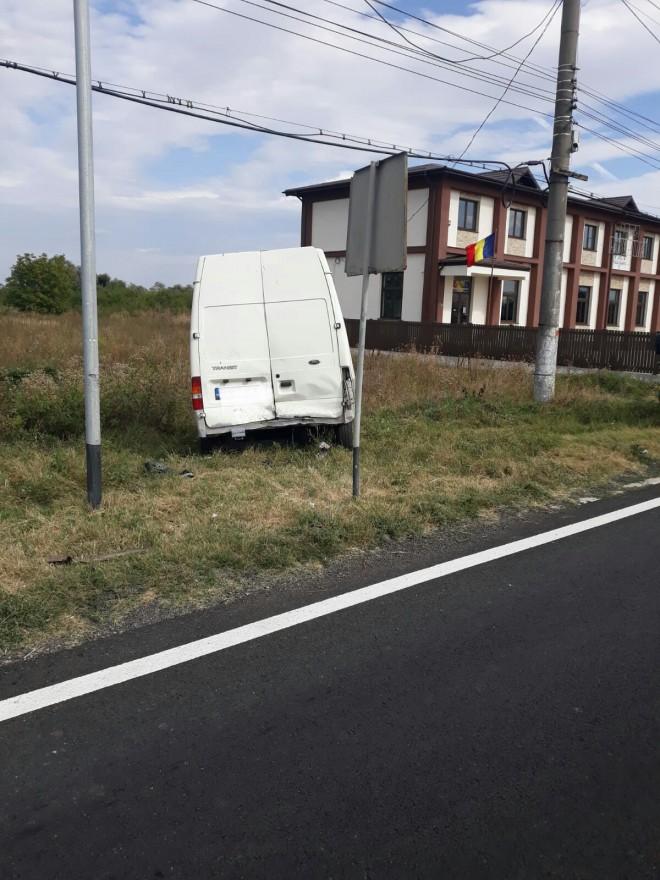 Accident pe DN1, la Romanesti. O femeie a fost lovita pe zebra de o masina care oprise sa-i cedeze trecerea. Cum s-a intamplat