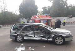 Accident grav in Floresti. Un autoturism a fost spulberat de un camion. O femeie si un copil, INCARCERATI