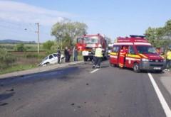 Accident grav, cu 5 masini, la Loloiasca. In urma impactului, a luat foc vegetatia de pe marginea drumului