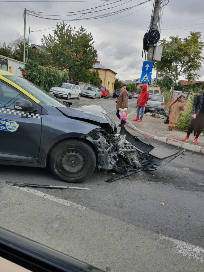 Accident pe strada Postei, la intersectia cu str. Ion Creanga. O victima