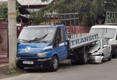 Parcare de 100 de puncte, pe strada Marasesti. Soferul unui Opel a reusit sa distruga doua masini