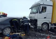 Accident grav pe DN1, la Movila Vulpii. Coliziune intre un TIR si un autoturism
