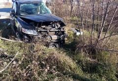Inca un accident grav la Bauelemente, in Parcul Industrial. O masina a fost spulberata de TIR si aruncata pe camp