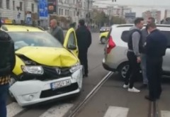Accident in Ploiesti: Un taxi care transporta doi copii, spulberata de un sofer de 73 de ani care nu a acordat prioritate