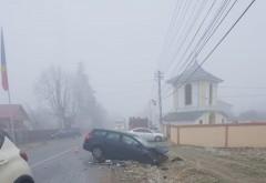 Accident grav in Dumbrava. Doua masini s-au facut zob dupa ce s-au izbit frontal