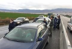 Accident mortal pe DN1, la intrare in Nistoresti. Un sofer a decedat dupa impactul dintre un taxi si o duba