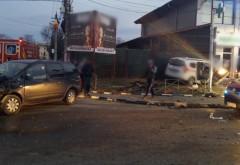 Accident MORTAL in Prahova, la Floresti. O Ambulanta Mediurg care transporta pacienti la dializa, izbita in plin de un sofer de 18 de ani! Unul dintre pacienti a murit
