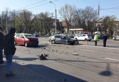 Accident pe Bulevardul Castanilor, la rondul 1. Doua masini s-au facut zob