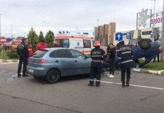 Accident in parcarea Ploiesti Shopping City. Dupa impact, o masina s-a rasturnat