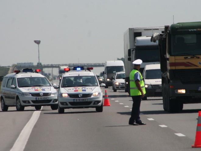 Cinci mașini și o motocicletă implicate într-un accident pe DN 1. Două persoane au fost rănite