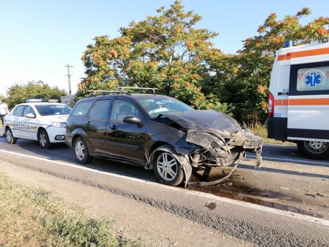 Un sofer de 20 de ani a provocat un accident care ar fi putut sa se termine tragic, in Prahova, la Stancesti
