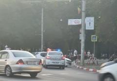 Accident in giratoriul de la Gara de Sud. Un sofer de 22 de ani a intrat in stalp