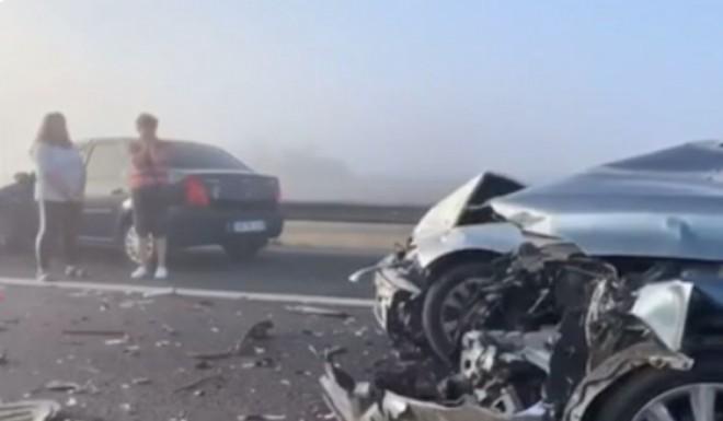 Ceață, accidente în lanț și cozi kilometrice pe Autostrada Soarelui