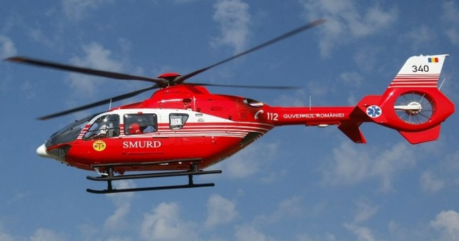 Accident grav la Loloiasca: doua persoane INCARCERATE dupa ce o basculanta cu bitum s-a rasturnat peste o masina. A aterizat elicopterul SMURD