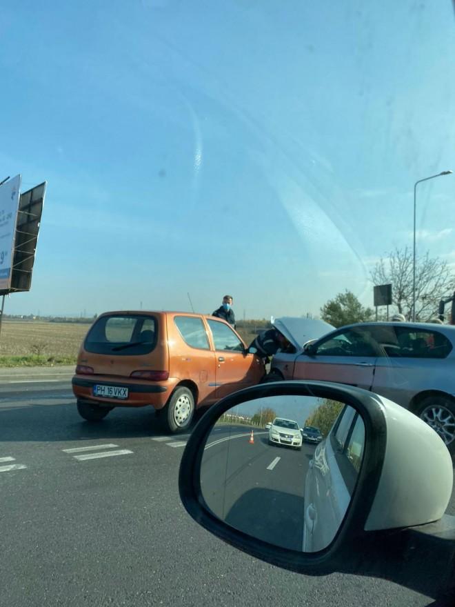 Accident in Ploiesti, la iesirea de pe strada Alba Iulia spre Judetean