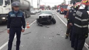 Inca un accident la Bauelemente, pe DN72. Un barbat a ajuns de urgenta la spital