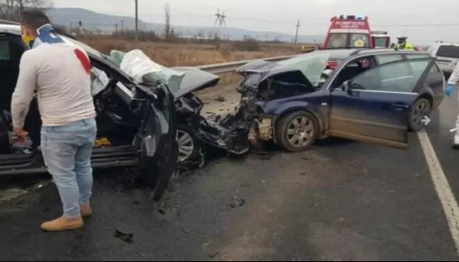 Accident grav pe DN1! 2 persoane au murit iar alte 3 au ajuns în stare gravă la spital