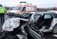 Accident in Prahova, la Gura Vitioarei. Doua masini implicate, o victima