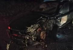 Tragedie in Prahova, la Tabla Butii. Un baiat de 16 ani a murit strivit de masina pe care o conducea. Pasagerul, de aceeasi varsta, a fost ranit