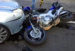 Accident pe DN1B, la Chitorani. Un motociclist a fost lovit de masina