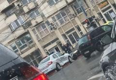 Accident in intersectia de la BCR, Str. Valeni-Ghe. Doja. Un sofer de 77 ani a lovit o masina de Politie
