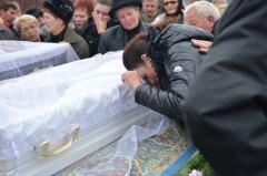 Coincidente macabre in cimitirul in care a fost ingropat baietelul ucis de soferul kamikaze de pe DN 1. Uite langa cine este inmormantat copilasul mort