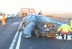 Accident GRAV în Prahova. Două persoane, transportate de urgenţă la spital