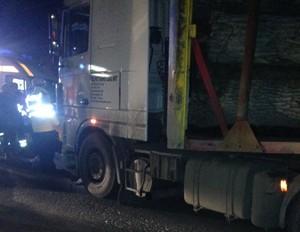 Accident TERIBIL la Comarnic. Un şofer a fost călcat de propriul TIR FOTO