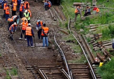 Circulație ÎNGREUNATĂ la Blejoi din cauza lucrărilor la calea ferată